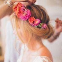 搭配鲜花的新娘造型图片集